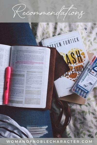 Bible and books; recommendations on Bible journaling, home cleaning and blogging products and services