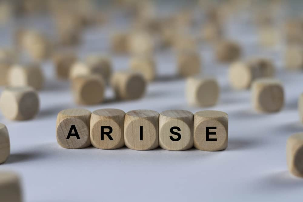 arise   cube with letters, sign with wooden cubes; arise and go